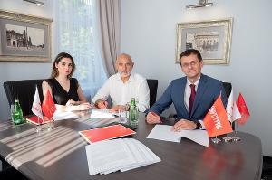 Подписание договора о проектном финансировании ©Изображение пресс-службы Альфа-банк